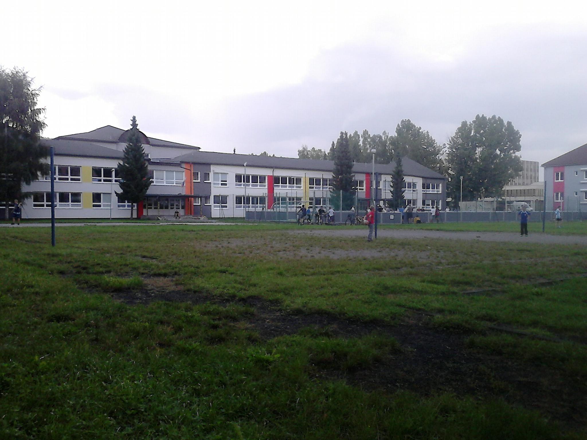 DSC_0034.jpg - Školské ihrisko - Bystrická cesta