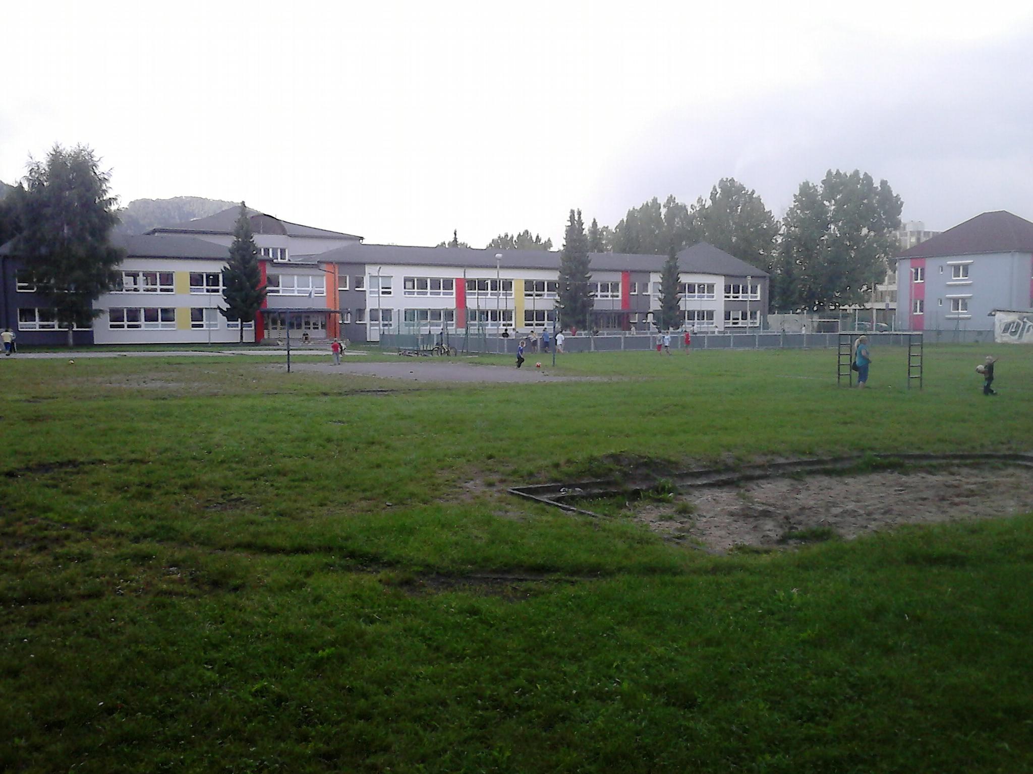 DSC_0038.jpg - Školské ihrisko - Bystrická cesta