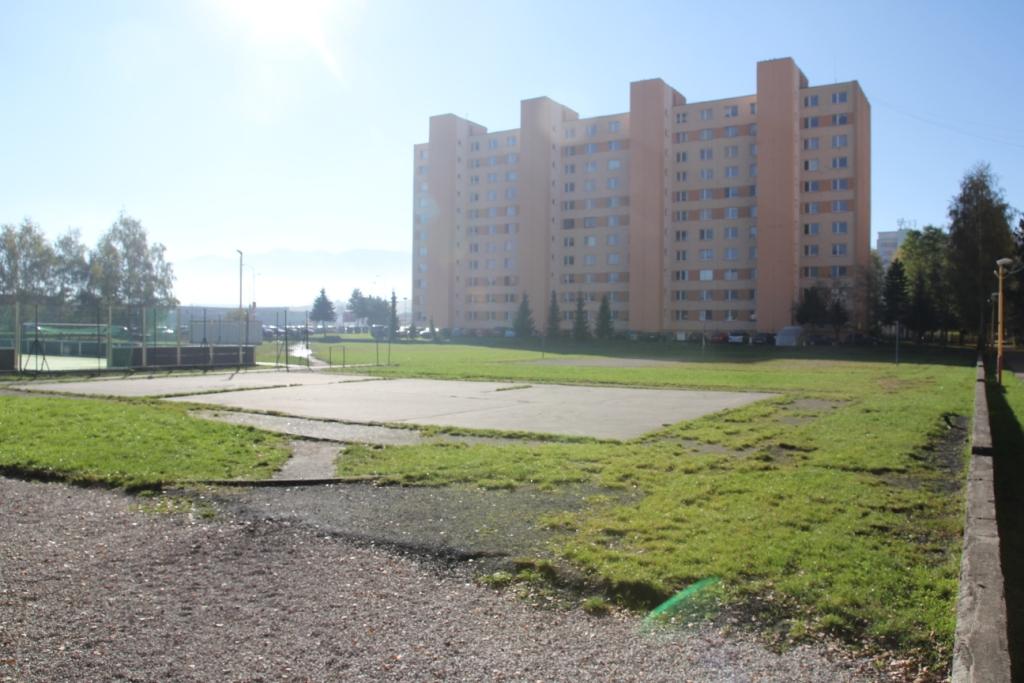 IMG_4823.JPG - Školské ihrisko - Bystrická cesta