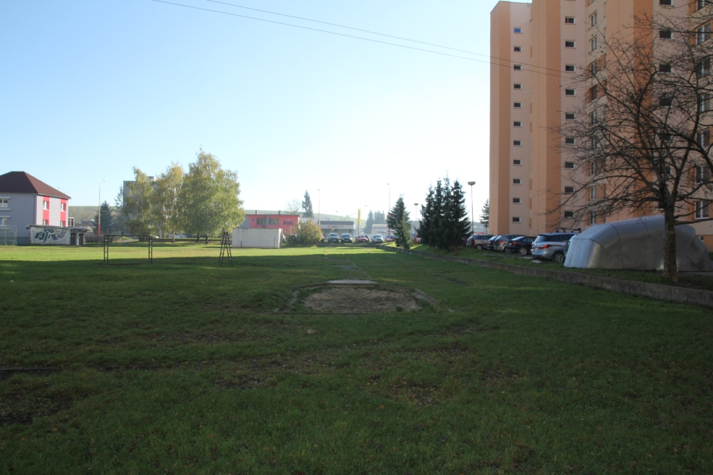 IMG_4826.JPG - Školské ihrisko - Bystrická cesta